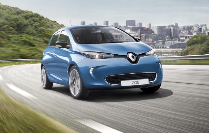 Renault Zoe sähköauto maantiellä